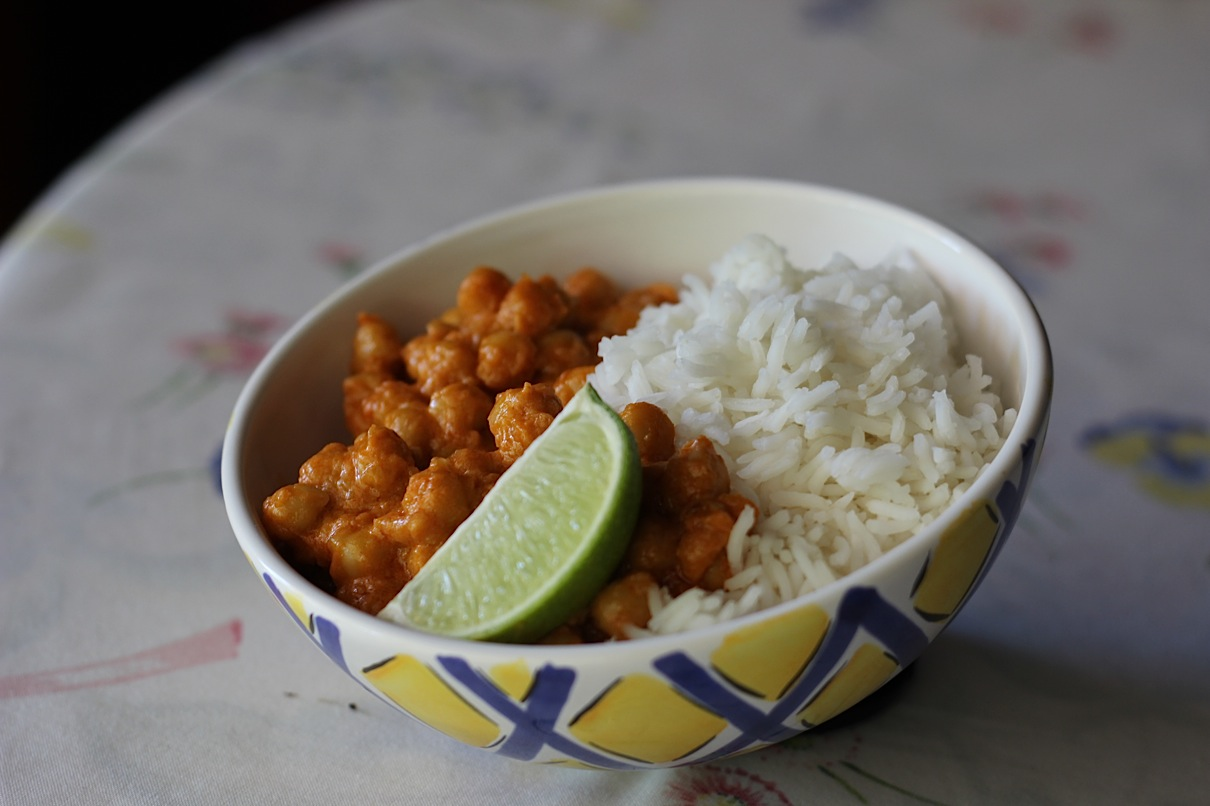 Curry rojo de garbanzos | El Blog de Clara P. Villalón