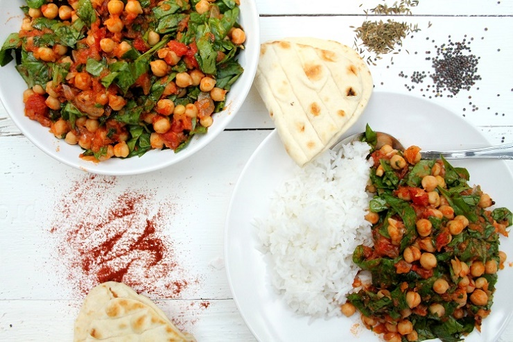 curry de garbanzos, espinacas, tomate
