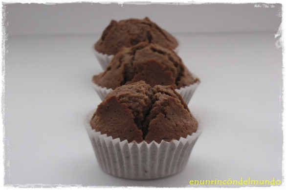 muffins de chocolate con interior de natillas