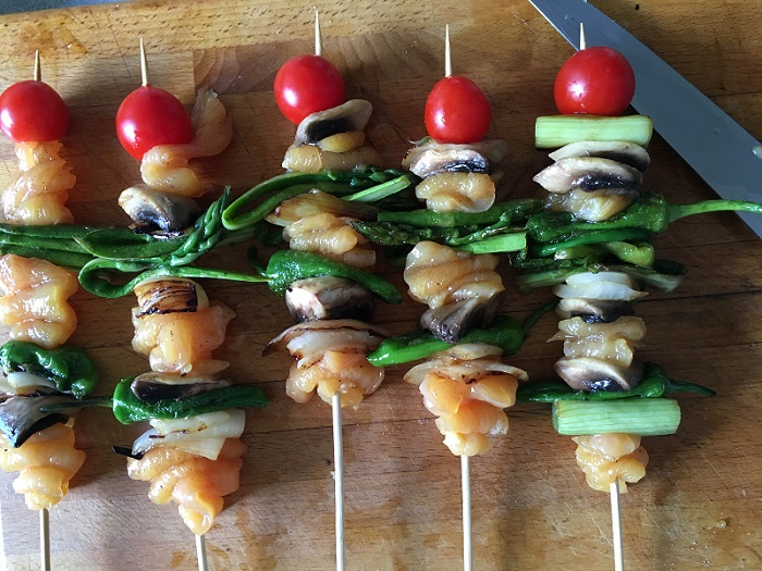 brochetas crudas