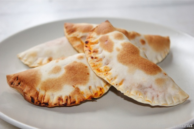 Empanadillas de pollo y queso