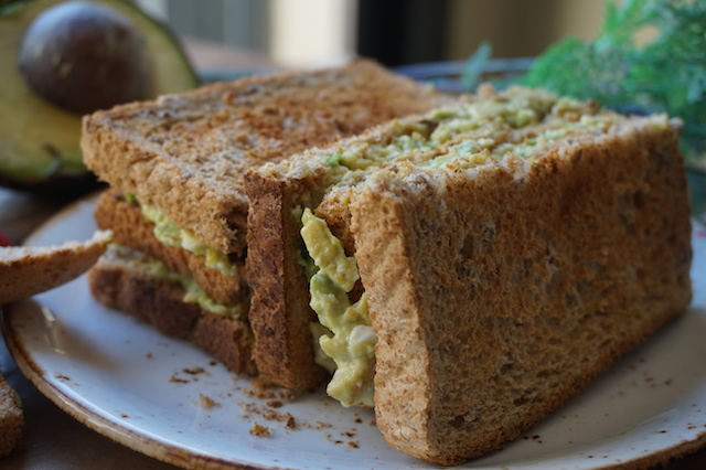 sandwich aguacate fashioneats