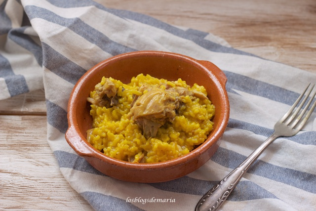 Arroz con pollo en olla GM