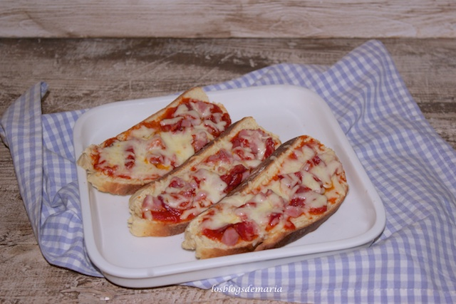 Rebanadas de pan pizza