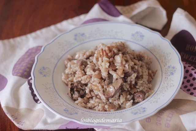 Arroz con higaditos de pollo y nueces en olla GM