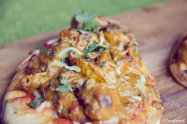 Pizza de curry de pollo en pan Naan | llinxfood