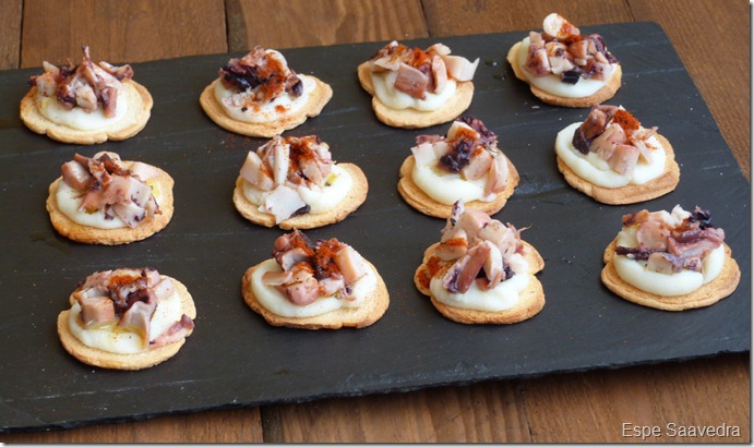 Canap de pulpo y patata qu comemos ma ana for Types of canape bases